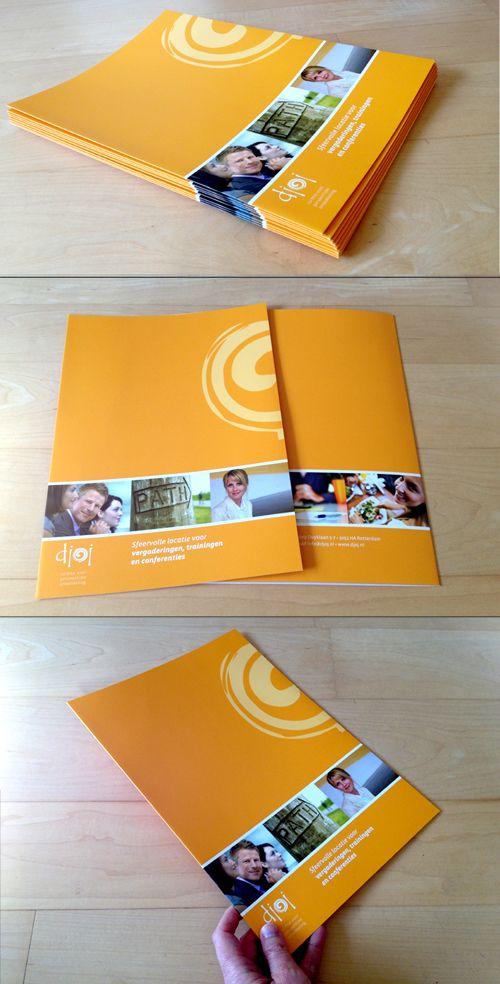 Offerte-/presentatiemappen voor Centrum Djoj. Afgewerkt met matlaminaat voor een professionele uitstraling.