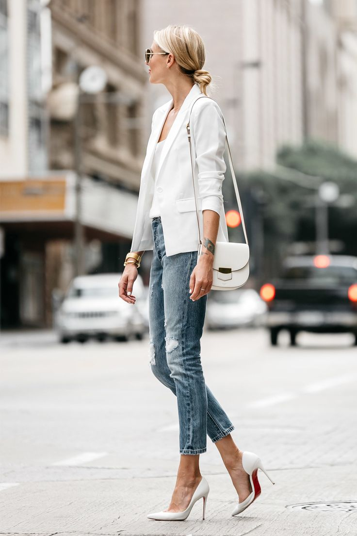 Fashion Jackson Blonde Woman Wearing White Blazer Distressed Jeans Outfit, Street Style, Dallas Blogger, Fashion Blogger