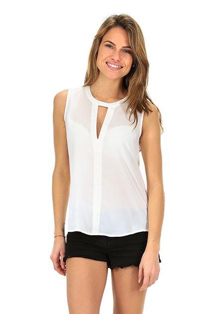 Kocca - Top - Abbigliamento - Top in tessuto leggero con scollo a fessura e bottoncini di chiusura sul retro.La nostra modella indossa la taglia /EU XS. - 60725 - € 55.00