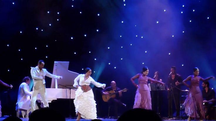 Manolo Carrasco en San Petersburgo.Himno de Zenit.11.10.2015.-HD