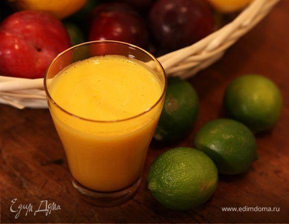 Сок из апельсина, лайма и манго . Ингредиенты: апельсины, манго, лайм