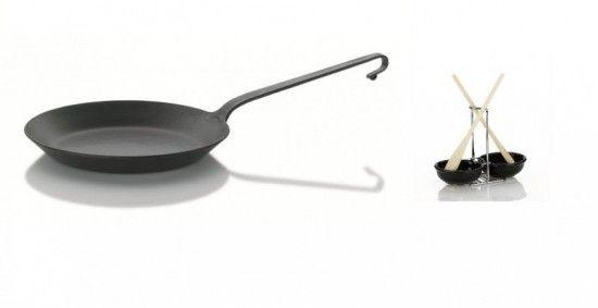 Mit dieser Pfanne lassen sich hervorragende Bratergebnisse erzielen! Beim Abwasch bitte auf Spülmittel, aggressive Reiniger und auf Ihre Spülmaschine verzichten. #Pfanne #Eisenpfanne   Mit der #Löffelablage haben die #Kochlöffel beim #Kochen endlich den richtigen Platz gefunden. #moebelpower #moebeltraeume #küche  #küchenhelfer