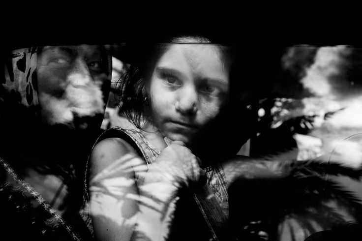 Paolo Pellegrin. LEBANON. Tyre. July, 2006. Civilians arrive in Tyre after fleeing their villages in southern Lebanon