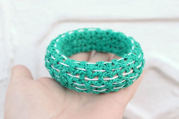 Hand Knitted Bangle Bracelet Green and White by FunnyKnitting #etsyeuro #europeanstreetteam