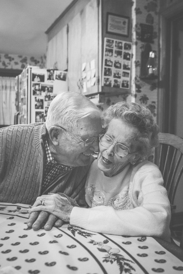 This couple has been married for 64 years! They have four children, eleven grandchildren, and ten great-grandchildren. Talk about lifelong romance!