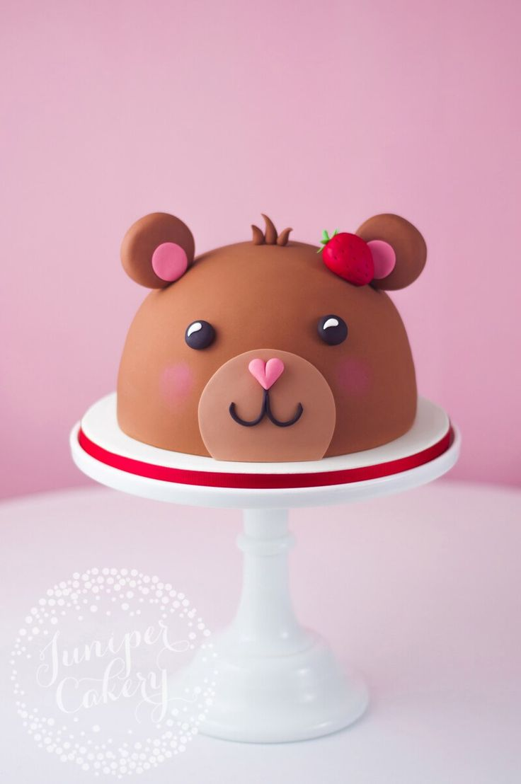 Teddy bear cake tutorial by Juniper Cakery