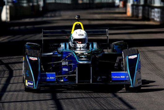 【動画】 イギリス人俳優のルーク・エヴァンズがフォーミュラEカーを体験  [F1 / Formula 1]