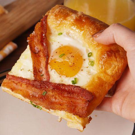 As pretty as it is delicious! #food #breakfast #brunch #eggs #bacon