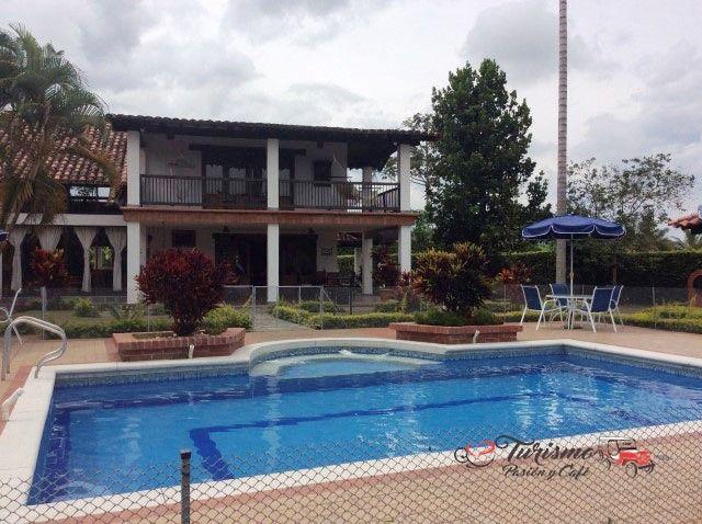 Espectacular casa campestre para disfrutar en familia en el #EjeCafetero ¡Reserva ya! #WhatsApp 3105384427 - 3104502013 #FelizJueves #TurismoPasionyCafe #Quindio #Familia