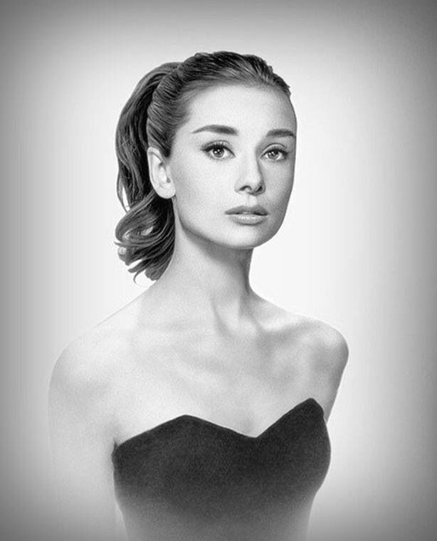 Audrey Hepburn is seriously one of the most beautiful woman who has ever lived. love this hair, makeup and dress. so simple and elegant.