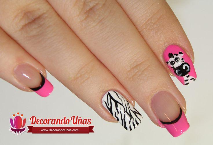 Uñas decoradas con cebras – Animal print nail DIY   Decoración de Uñas - Manicura y Nail Art
