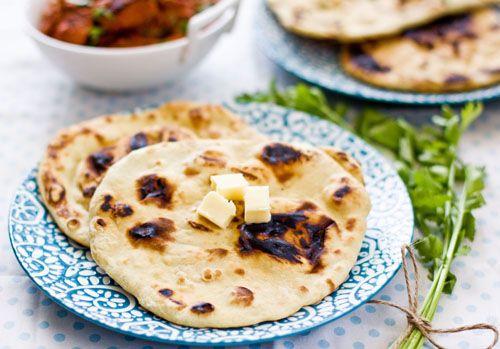 Her er opskriftern på det klassiske naanbrød, som passer perfekt til mange indiske retter.