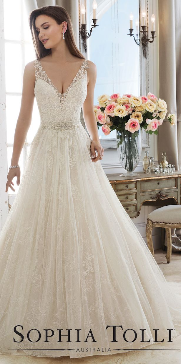 Sophia Tolli Wedding Dress Spring 2018 Sophia Tolli Wedding Dress Collection Spring 2018 #weddingdresses #weddinggowns #bridaldress #bride #bridal #bridalgown #brides #weddings