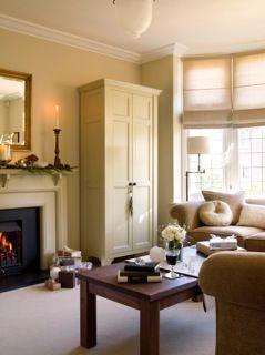 Calming #farrowandball #oldwhite walls for a soft neutral palette #livingroom #sittingroom #sarahcrozier #interior #design