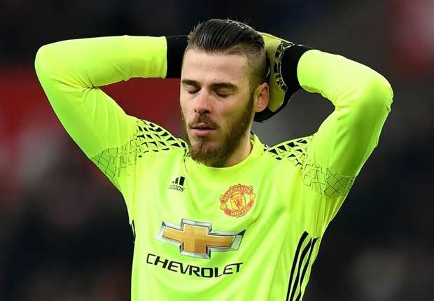MANCHESTER UNITED goalkeeper David De Gea is prepared to force through a transfer to long-term admirers Real Madrid.  The Spaniard has been linked with a switch to the La Liga giants for a number of years and very nearly made the move to the Bernabeu before a deal collapsed in 2015.  Real president Florentino Perez is desperate to bring in the 27-year-old as a replacement for current number one Keylor Navas.  The club have been linked with moves for De Gea as well as Chelsea stopper Thibaut…