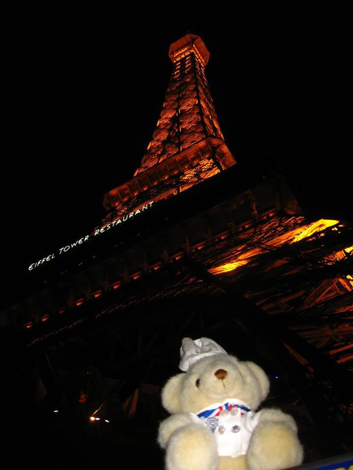 Guess where #BechamelBear is now? It's #LasVagas!!