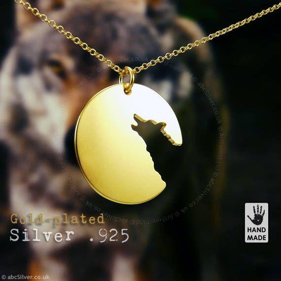 Lupo solitario a mano dorato argento Sterling,925 collana in una scatola regalo di abcSilver su Etsy https://www.etsy.com/it/listing/524516018/lupo-solitario-a-mano-dorato-argento