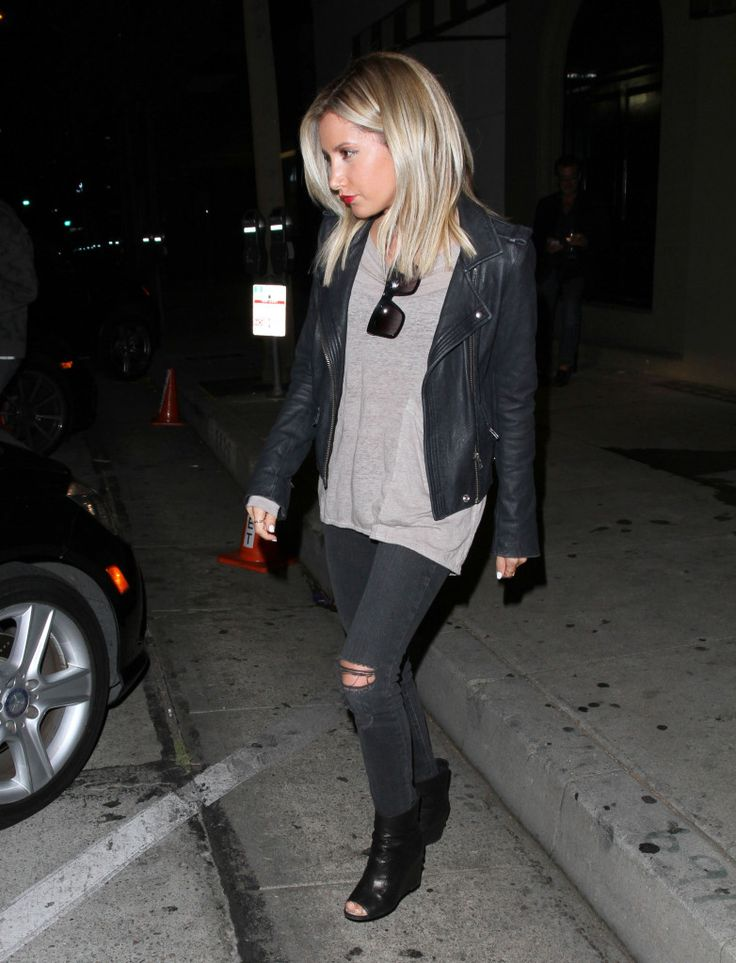 Ashley Tisdale Dinner Delicious At Craig's - http://oceanup.com/2014/06/10/ashley-tisdale-dinner-delicious-at-craigs/