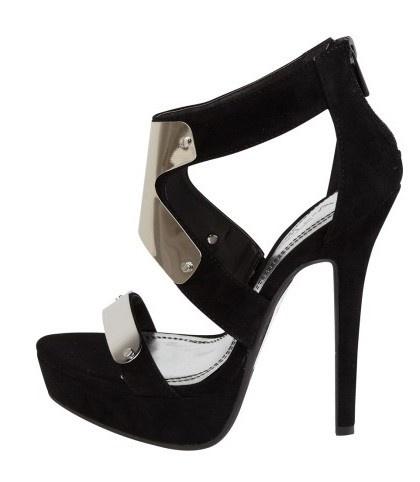 Black Sandals  http://www.bagsandheels.com/shop/index.php/damesschoenen/zwarte-hoge-hakken-met-metalen-accenten.html