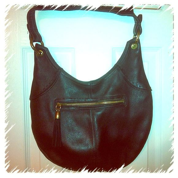 """Genuine Leather """"Gap"""" Handbag 👜 Black Leather Gap Bag with Bronze Buckles an Tassel, very Fashionable Leather Bag, in Good Condition, GAP Bags"""