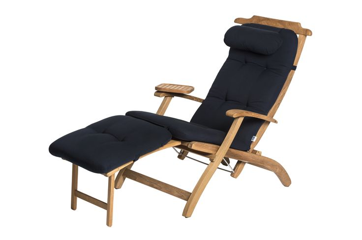art.nr.3250 Deze traditionele dekstoel werd vroeger gebruikt op het eersteklas dek van luxe cruiseschepen. Dit klassieke ontwerp heeft dan ook alles in zich om het u aan niets te laten ontbreken: een verstelbare rugleuning, een uitklapbare voetensteun en brede armleuningen met een draaibaar tafelblad waardoor u uw drankje altijd binnen handbereik hebt. Voor eersteklas luxe aan boord of in de tuin!