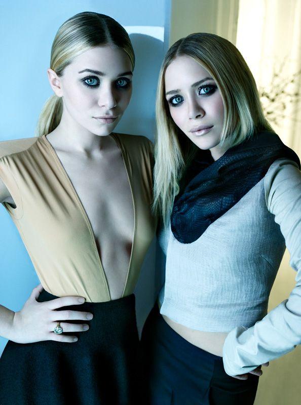 Olsen Twins, Fashion Style, Mary Kate Ashley, Ashley Olsen, Hair Makeup, Fashion Blog, The Dresses, Mary'S K, Minimalist Style