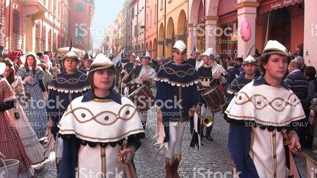 parade in medieval costumes
