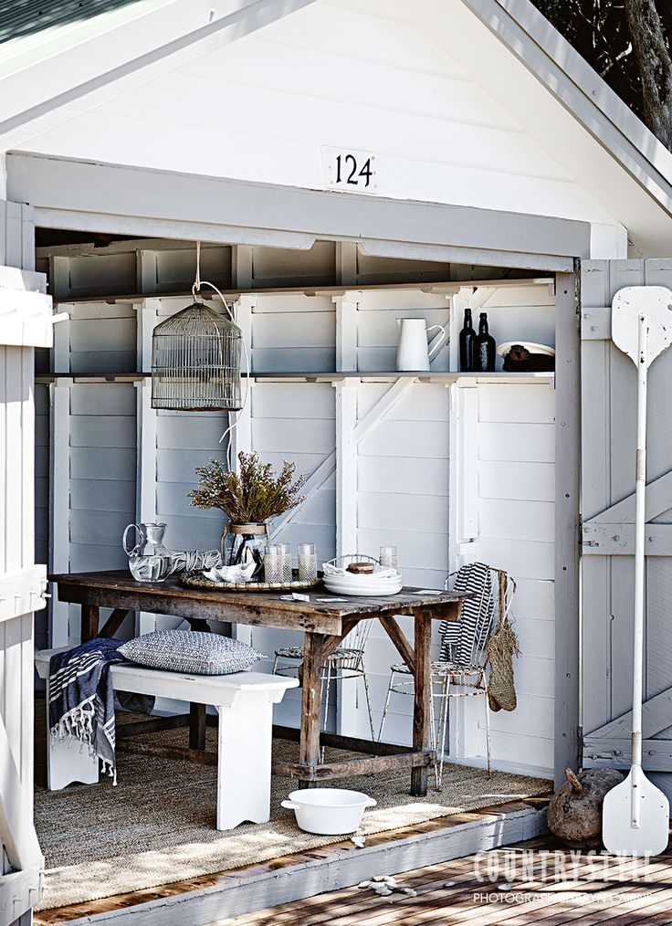 Country Style magazine. Find a shady spot to enjoy the lazy days of summer or take inspiration for decorating your home. Photography Sharyn Carins, Styling Tessa Kavanagh. #countrystyle #decorating #beach