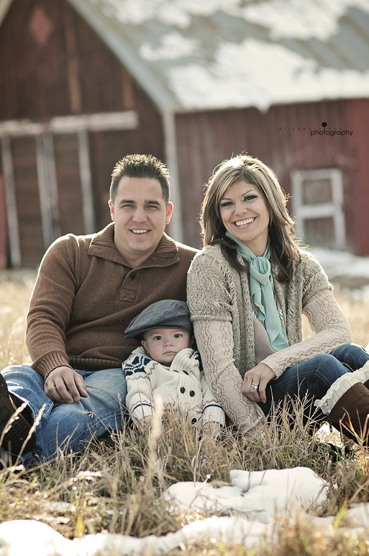 elizabeth ann photography: Red Barn | Aaron, Melissa and Lathan | Castle Rock Family Photographer