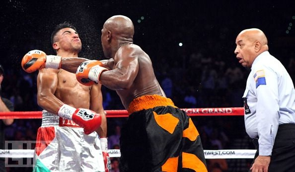 Look at the ref's face... as Floyd Mayweather ko's Victor Ortiz
