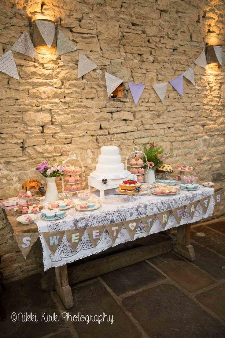 A Cripps Barn wedding for Christina & Luke | Nikki Kirk Photography