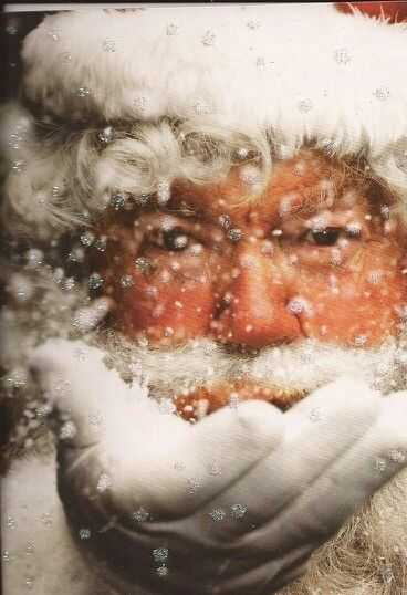 LOVE THIS PICTURE OF SANTA CLAUS!!! #christmas magic #winter snow