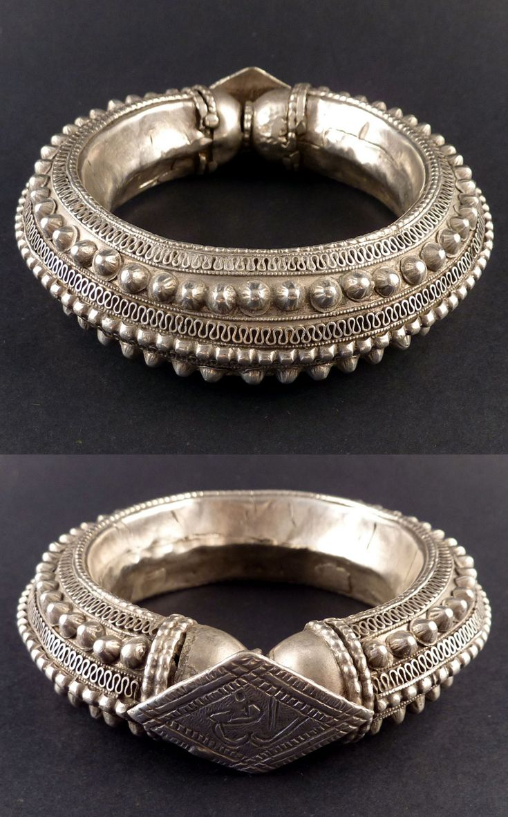 Old bracelet from the Rashaida | Silver, finely decorated with small domes and granulations | Mid 20th century