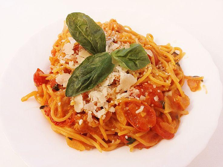 One Pot Pasta Tomate-Mozzarella, ein beliebtes Rezept aus der Kategorie Pasta. Bewertungen: 24. Durchschnitt: Ø 4,2.
