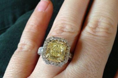 Anillos de compromiso con diamantes amarillos de moda en 2013