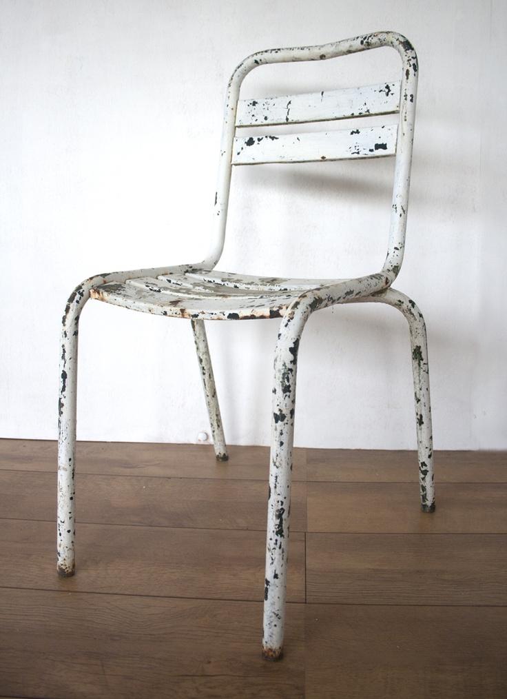 metalen_witte_stoel