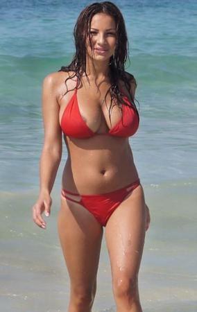 Girl Upskirt Bikini
