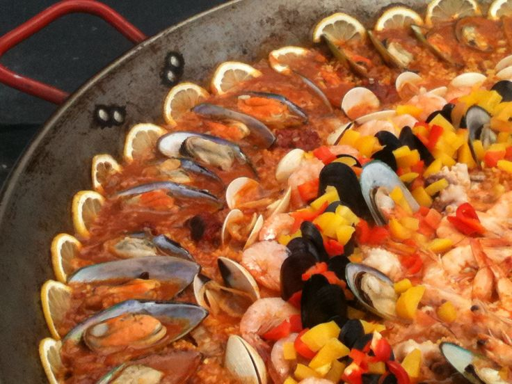 seafood recipes | Seafood Paella with green mussels, clams, prawns & black mussels.