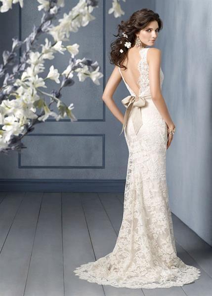 Платье свадебное с открытой спиной