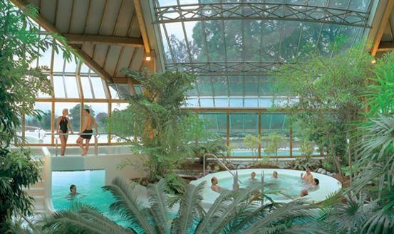Sauna, massages en beauty in combinatie met de verzorgende werking van oergezond thermaal water in Thermae 2000. Meer informatie: http://www.thermae.nl/