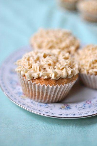 Banana cupcakes with honey cinnamon icing