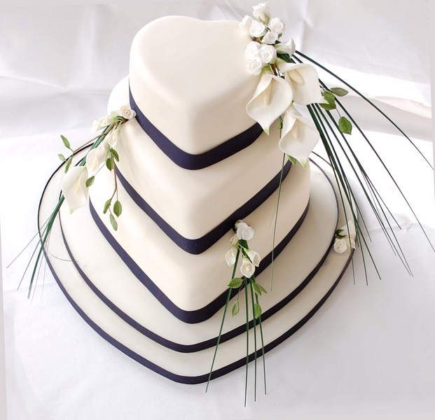 Should I Have Heart Shaped Wedding Cakes?-  Every celebration thing should be done in very special occasion. Having heart shaped wedding cakes whether in such simple ways or big designs can be a... Check more at http://marinagalleryfineart.com/1910/heart-shaped-wedding-cakes