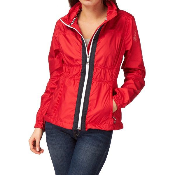 Elegant and sporty, the Allyn jacket provides a statement look with stylish detailing