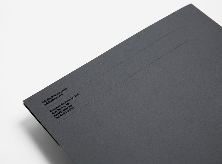 Folder with thermographic ink detail designed by Face Creative for MX architecture firm and architect Adrián Key.