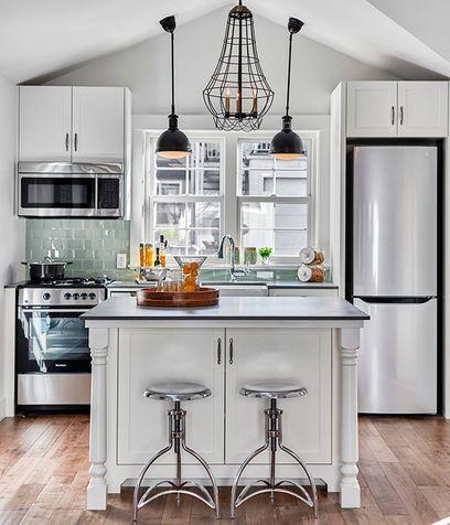Una Cucina Piccola Con Isola Cucine Piccole Pinterest