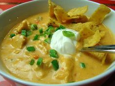 Krista's Kitchen: Cheesy Chicken Tortilla Soup - This sounds like the great soup at Granite City restaurants