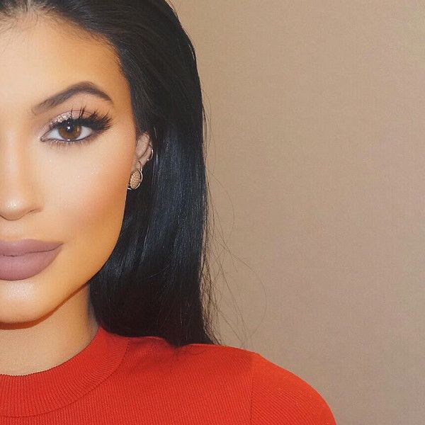 Kylie Jenner wearing. Her new Taupe lip color from her makeup line