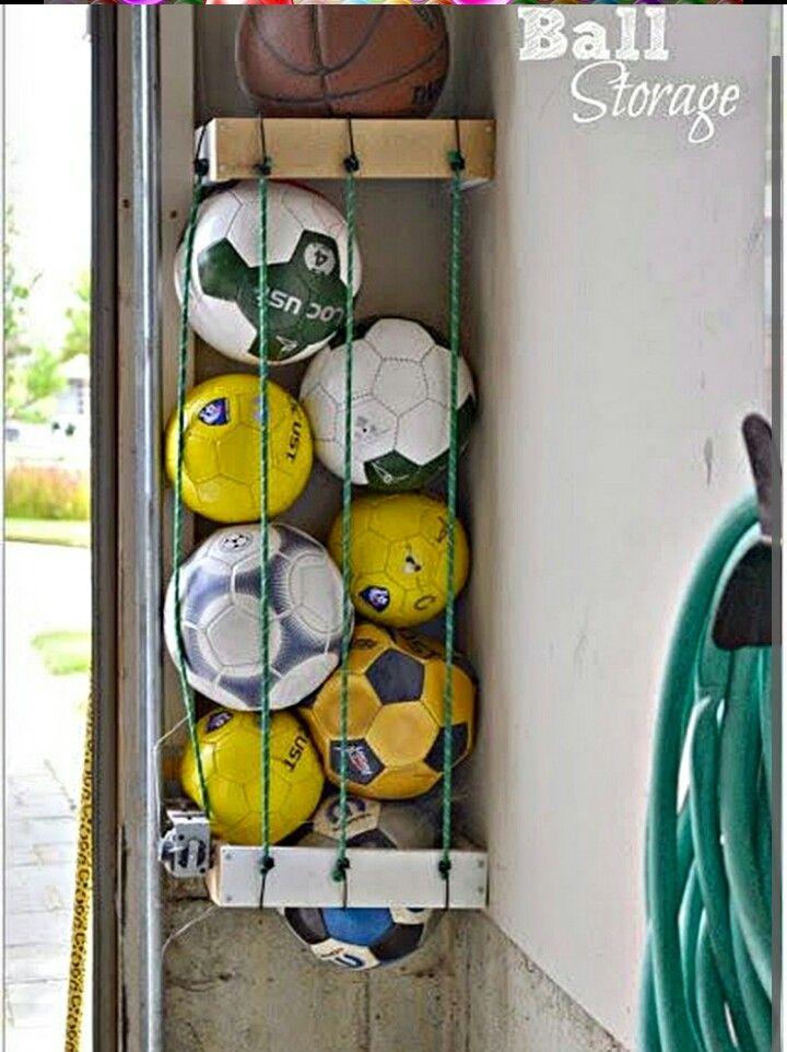 Idée Rangement Chambre Mansardée : Ballon d'Or on Pinterest
