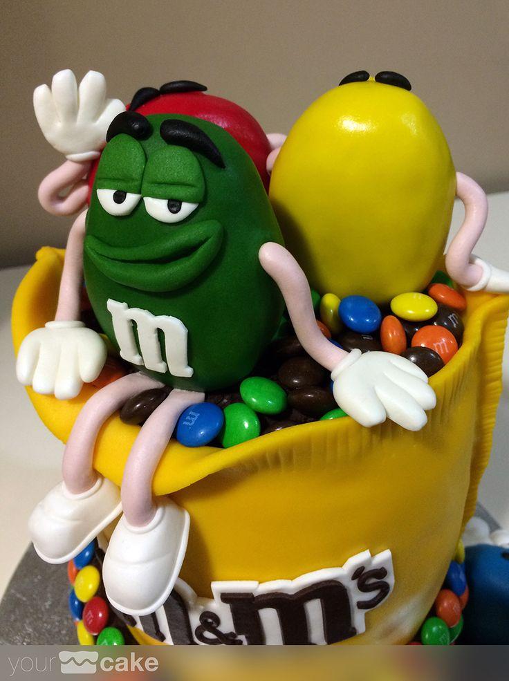 Your Cake. Tarta fondant M&M's