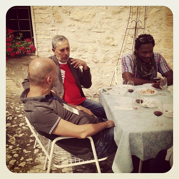 Twitteri al tavolo post degustazione! @Maria Cortez @pat_royale @RobertoRenga #inmontefalco  foto di @igersumbria